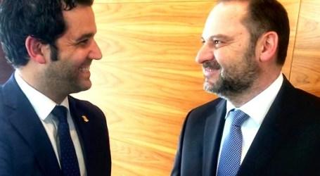 Sagredo celebra el anuncio de Ábalos de la ampliación de la N-220 por 75 millones de euros