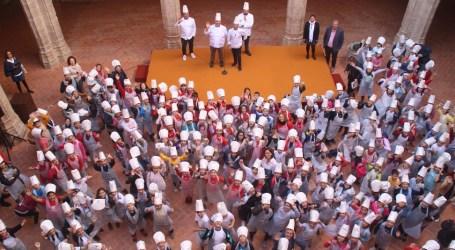 Els xiquets i xiquetes d'Alaquàs celebren al Castell el «Dia del Gust i del Producte»