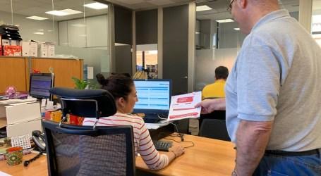 Paterna facilita el acceso a las ofertas de empleo de la Agencia de Colocación a los vecinos de La Canyada y Terramelar