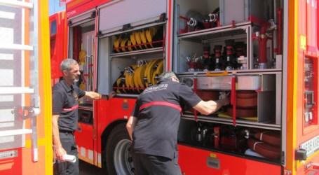Los bomberos desalojan un centro de día de Aldaia por un intenso olor a disolvente