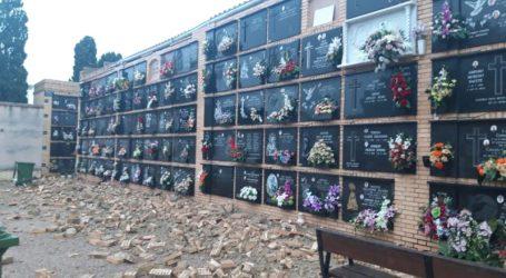 Ciudadanos denuncia el derrumbe «avisado y previsible» de parte de los muros de nichos en el cementerio de Burjassot