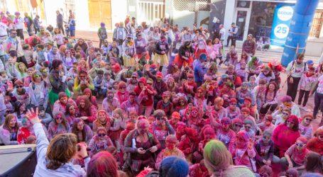 Color i diversió en la Holi Run de Picassent que inicia la temporada del programa «Oci en Família»