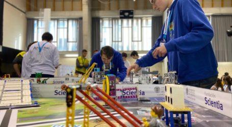 El colegio La Purísima de Torrent gana el premio al mejor diseño de robot en el campeonato autonómico de la First Lego League