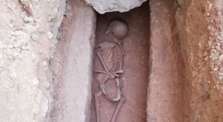 Ixen a la llum 18 sepultures de l'antic cementeri islàmic de Manises