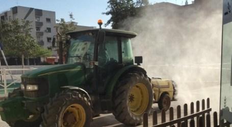 Benetússer refuerza con tractores las tareas de desinfección del coronavirus