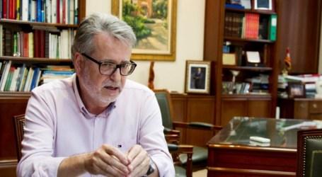 """Ramón Marí: """"Hemos ampliado el contrato con la empresa de ayuda a domicilio para atender a más vecinos"""""""