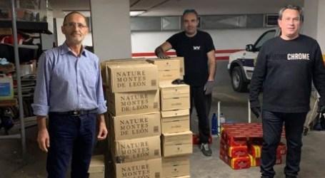 VFV Producciones, Fotur y Starboy entregan 5.000 botellas de agua para la residencia y personal municipal de Quart de Poblet