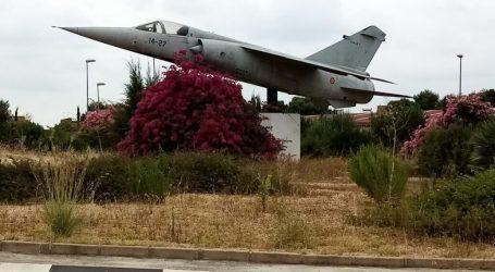 Paterna renueva el convenio con Defensa para que el histórico avión Mirage F-1M siga expuesto