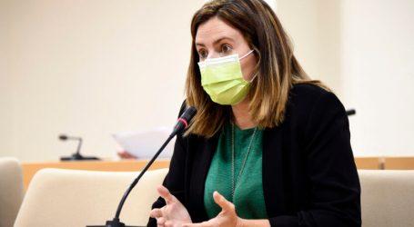 Esther Coronado pren possessió com a nova regidora d'Igualtat de l'Ajuntament de Paiporta