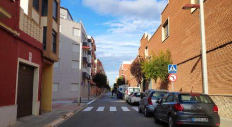 Bonrepòs i Mirambell comienza a repintar sus pasos de peatones y marcas viales