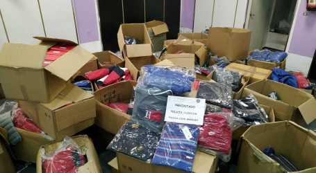 La policia de Manises desmantella una nau amb gran quantitat de roba falsificada