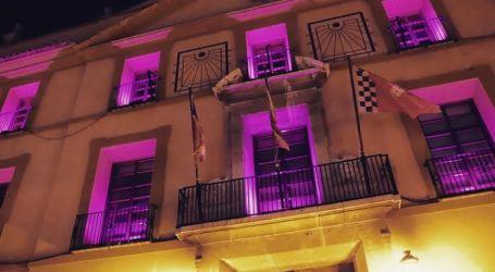 Paterna se ilumina de morado por el 8M y emite un manifiesto on line reivindicando la igualdad