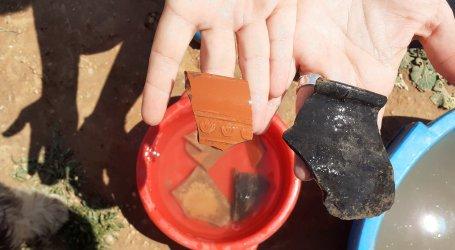 Salen a la luz piezas de cerámica romana en las excavaciones arqueológicas previas a la construcción del nuevo instituto de Catarroja
