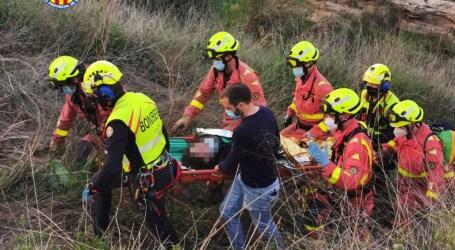 Rescat d'una dona que havia caigut a 7 metres de desnivell al Barranc de l'Horteta de Torrent