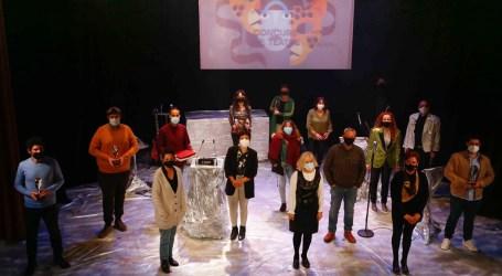 Cantant sota les Bales de Stres de Quatre gana el XXXVIII Concurs de Teatre Vila de Mislata