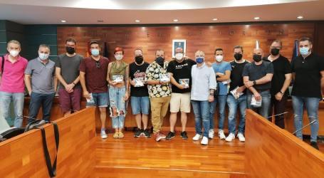 El gremio de artistas falleros de Torrent se reúne con la Junta Local Fallera y el Ayuntamiento para planificar la próxima semana fallera