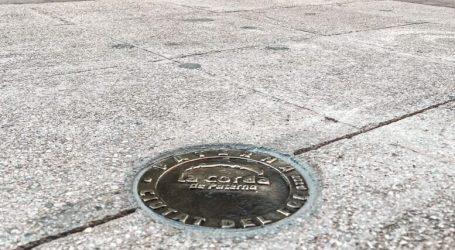 """Paterna coloca 54 placas de bronce en el suelo de la calle Mayor con los conocidos como """"números de La Cordà"""""""