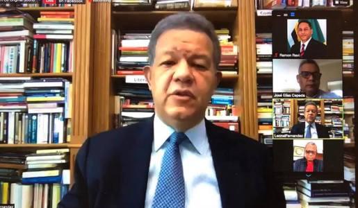 Leonel Fernández cuelga video en RS exhortando a población vacunarse contra covid