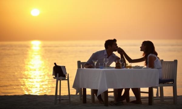 أفكار بسيطة عند الاحتفال بعيد الزواج