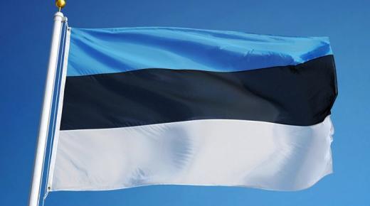 ما معنى ألوان علم إستونيا؟