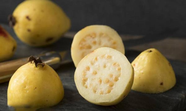 ماذا تعرف عن فوائد الجوافة ؟