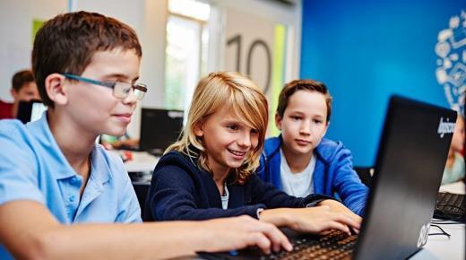 طريقة تعليم البرمجة للأطفال بثلاثة لغات سهلة وبسيطة