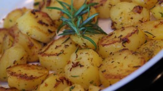 طريقة البطاطا الحارة