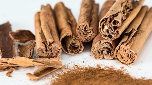 طريقة عمل القرفة في المنزل بأكثر من وصفة رائعة وعلم القرفة مع الشاي