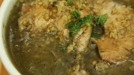طريقة عمل شوربة الفريك اللذيذة باللحم والدجاج والخضراوات