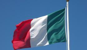 ما معنى ألوان علم إيطاليا؟