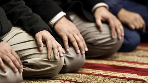 كيف كان رسول الله يصلي؟