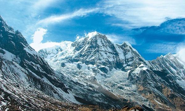 ماذا تعرف عن جبال الهيمالايا