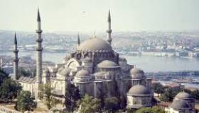 ماذا تعرف عن مسجد السليمانية ؟