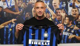 من هو راجا ناينغولان لاعب إنتر ميلان الإيطالي ومنتخب بلجيكا لكرة القدم؟