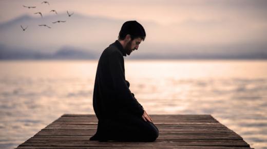كيف تتخلص من وسوسة الشيطان في الصلاة؟