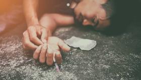 أعراض تعاطي الكوكايين وطرق علاجه ومضاعفاته