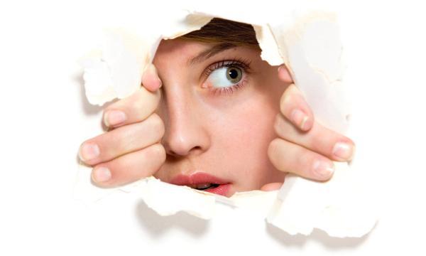 هل تعاني من الخجل ؟ إليك أبرز عوامله وطرق للتخلص منه