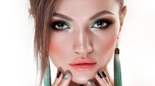 تحميل تطبيق YouCam Makeup