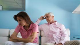 أعراض المراهقة المتأخرة لدى الرجال والنساء.. وهذه طرق العلاج
