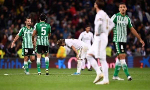 أهداف و ملخص مباراة ريال مدريد وريال بيتيس اليوم الأحد 8-3-2020 | الدوري الإسباني