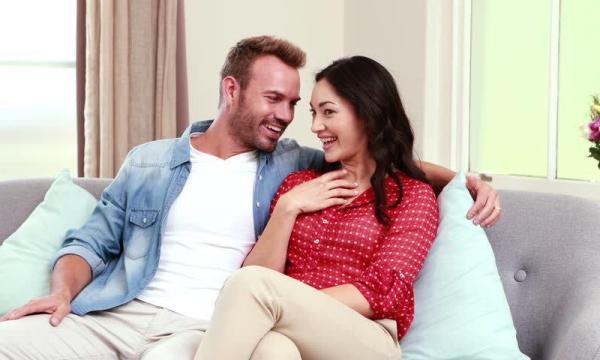 أهمية حسن معاملة الزوج لزوجته