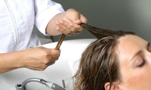 نصائح لتجنب تساقط الشعر الناجم عن تغيير الفصول