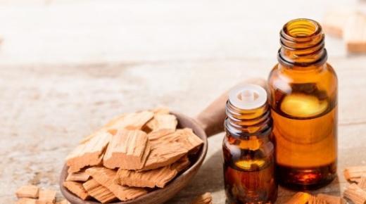 فوائد زيت خشب الصندل التجميلية للبشرة