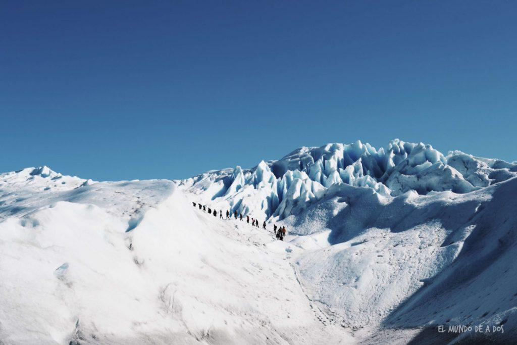 Trekking sobre el glaciar. Viajar a El Calafate