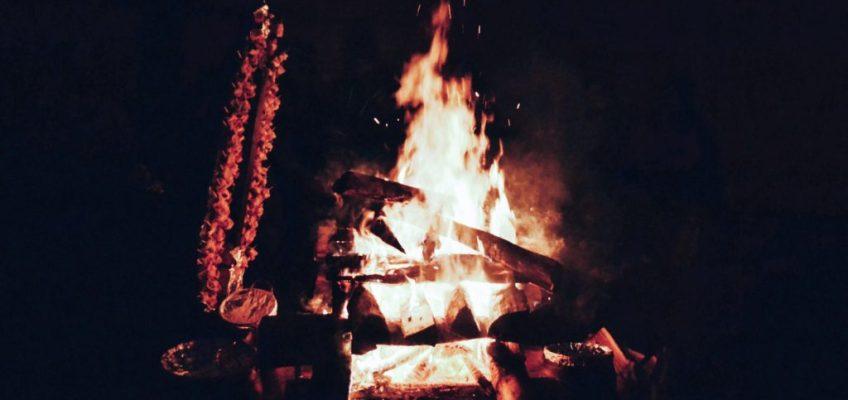 Fogón con la cena. Nieve y Fuego Ushuaia