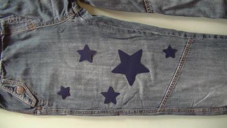 Colocar las estrellas sobre el pantalón