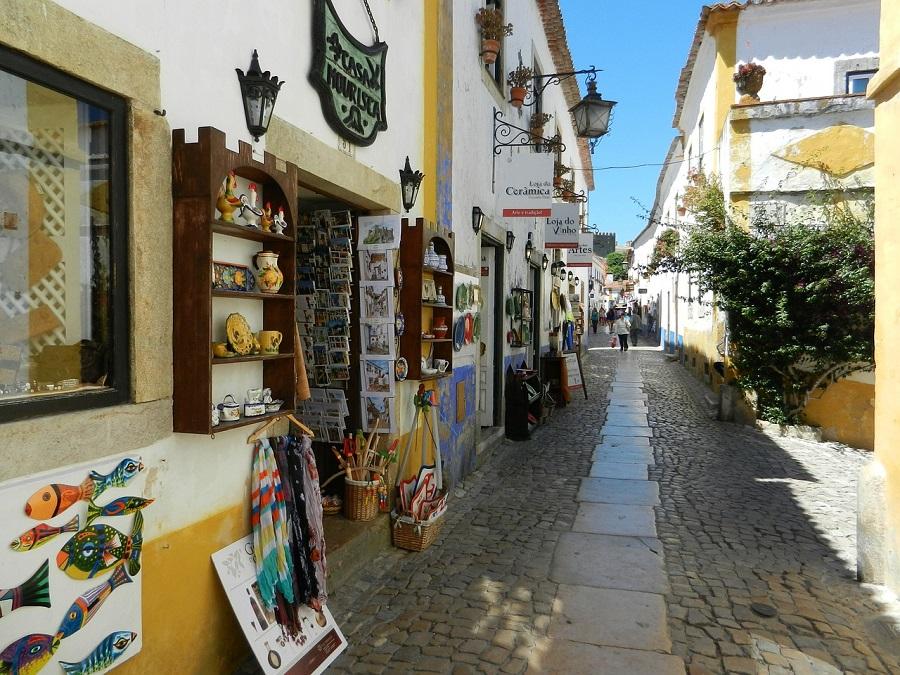 Qué ver en Óbidos - calle-peatonal
