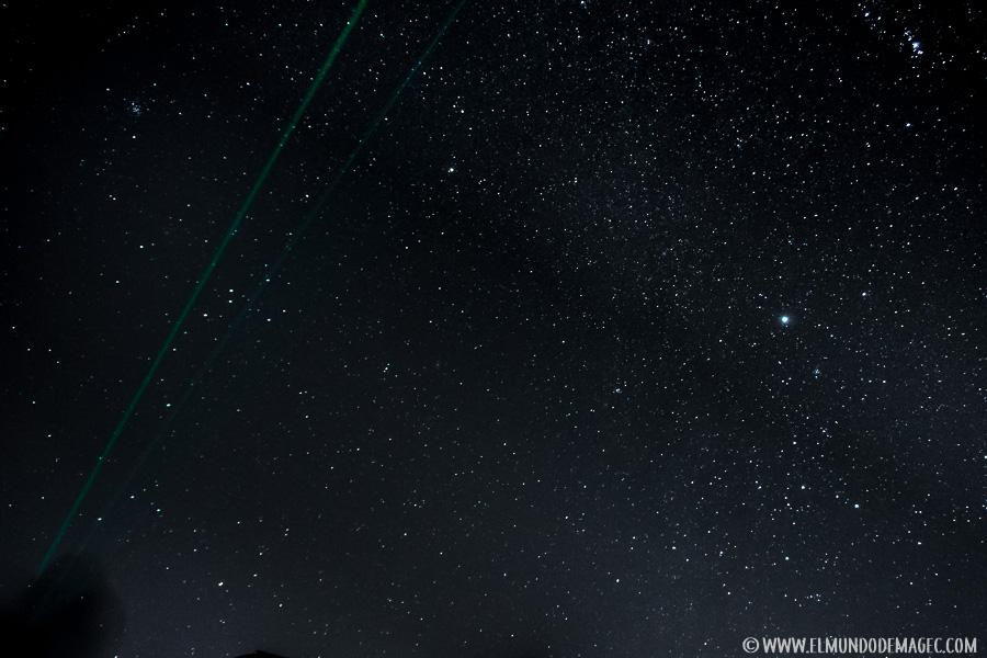 Visualizando estrellas ayudados del puntero láser