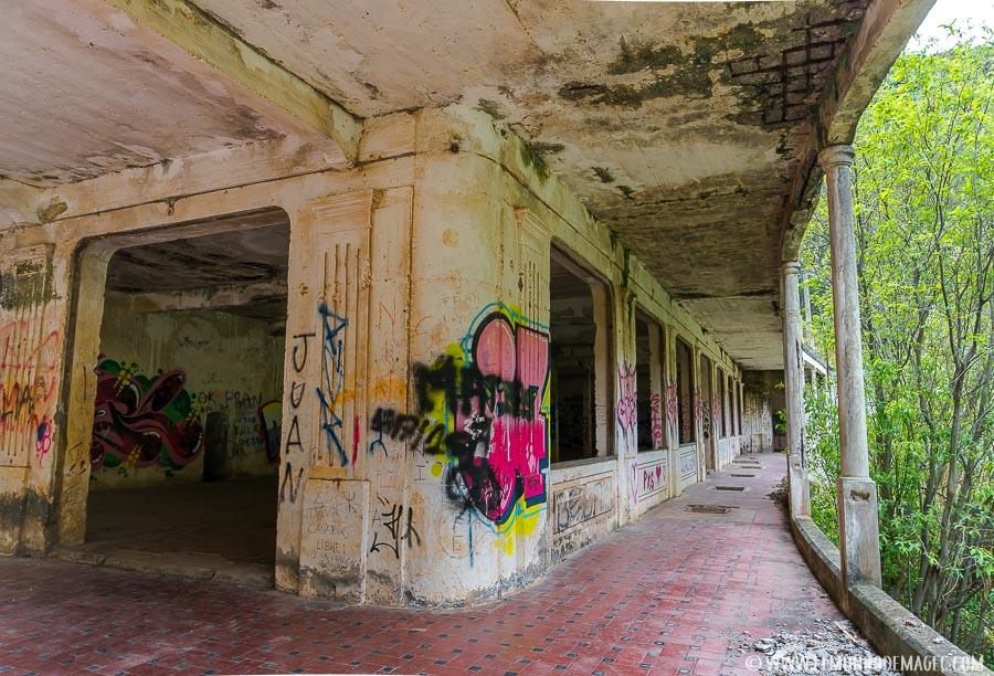 Ruinas del hotel-balneario