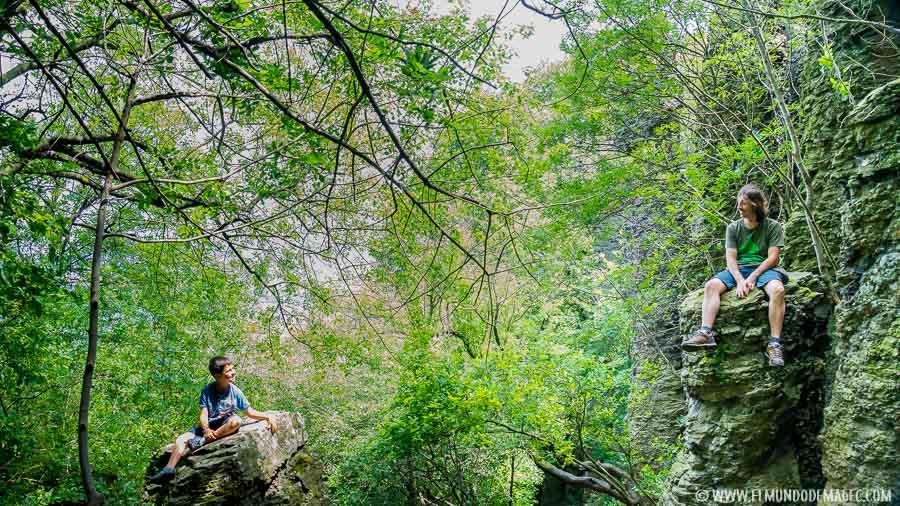 senderismo en Hungría - Entrada a las columnas de Basalto